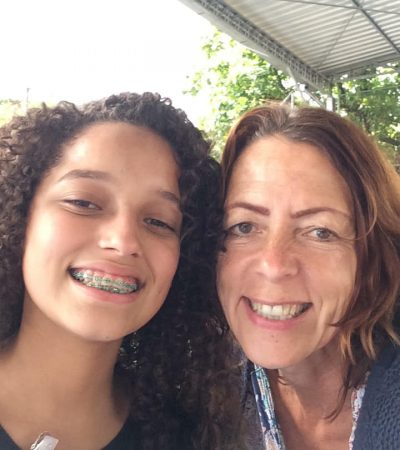 EduMais founder Diana Nijboer and student Izabely selfie at Supergasbras Christmas Party for EduMais and other NGOs