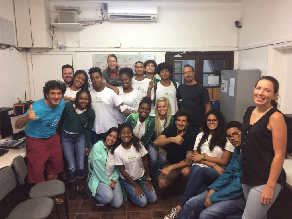 Students on EduMais's Entrepreneurship Course with the El Misti Owners and their volunteer teachers Anna and Roberto