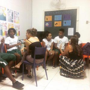 Volunteers-in-rio-de-janeiro-edumais-classroom