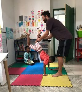 Play-time-and-attention-to-develop-social-emotional-skills-kids-in-favelas-rio-de-janeiro