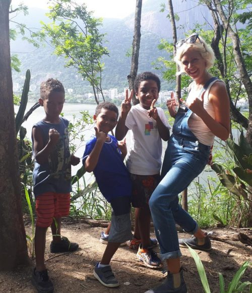 The after-school boys and EduMais volunteer Hannah enjoy a trip out to Parque Catacumba, Rio de Janeiro