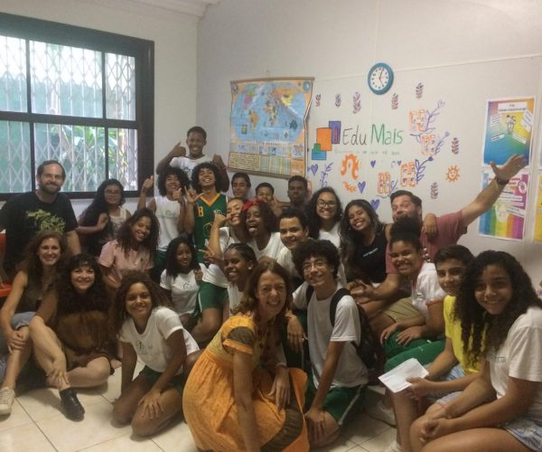 Solar Meninos de Luz Grade 8 with their EduMais English teachers at the end of the school year in December 2018