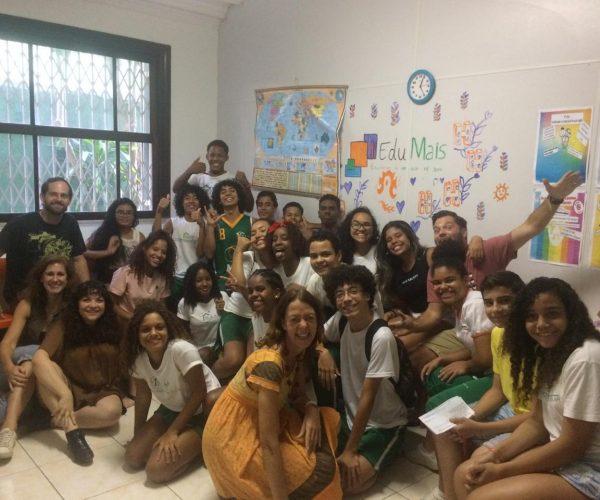 Solar Meninos de Luz Grade 8 with their EduMais English teachers at the end of the school year in December 2018